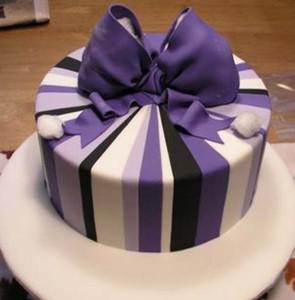 Торт-подарок из мастики. Мастер-класс по украшению торта