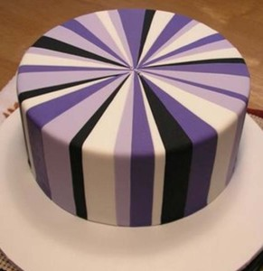 Торт-подарок из мастики. Мастер-класс по украшению торта-шаг 4