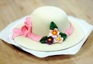 Элегантный торт из мастики Шляпа