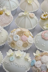 Красиво украшение торта айсингом – идеи для кондитеров-шаг 4