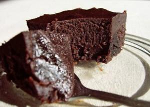 Шоколадные брауни с черносливом
