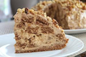 Торт Несквик по вкусу напоминает замечательный шоколадный напиток. Очень нежный