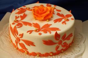 Как покрасить мастику в желтый и оранжевый цвет сподручными средствами-шаг 1