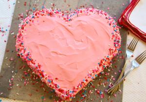 Торт Сердце ко дню Святого Валентина. Красивый торт с легким оформлением – мастер-класс