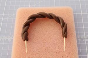 Торт из мастики Корзинка. Красивый десерт к Пасхе, мастер-класс-шаг 7