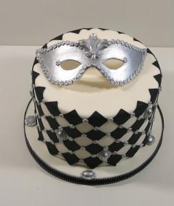 Торт из мастики Маска
