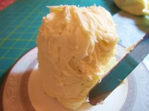 Свадебный десерт – капкейки Невеста-шаг 6