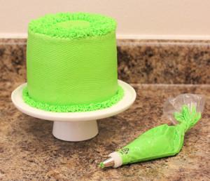 Торт Ромашковое поле. Как украсить домашний торт – мастер-класс-шаг 5