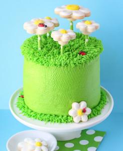 Торт Ромашковое поле. Как украсить домашний торт – мастер-класс-шаг 6