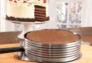 Как можно разрезать бисквит на коржи идеально?