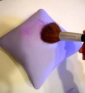 Учимся украшать торт! Торт Подушка из мастики – просто и легко-шаг 4