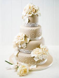 Как украсить свадебный торт – замечательные идеи