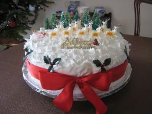 Как украсить новогодний торт – видео-шаг 2