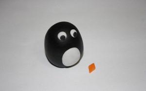 Животные из мастики – пингвин. Мастер-класс-шаг 6