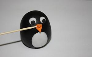 Животные из мастики – пингвин. Мастер-класс-шаг 7