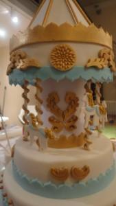 Детский торт Карусель – как украсить-шаг 10